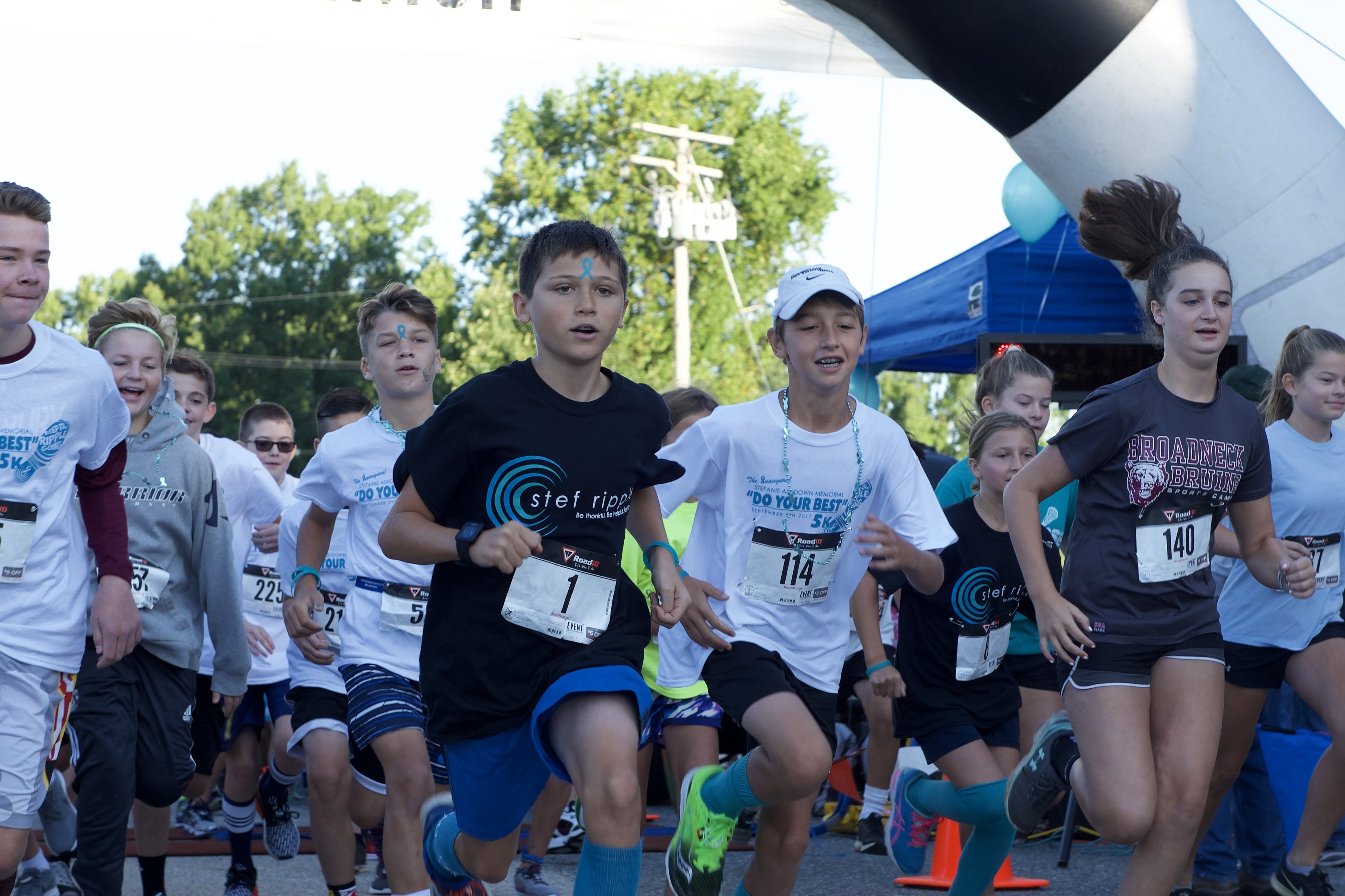 Runners at Do Your Best 5k